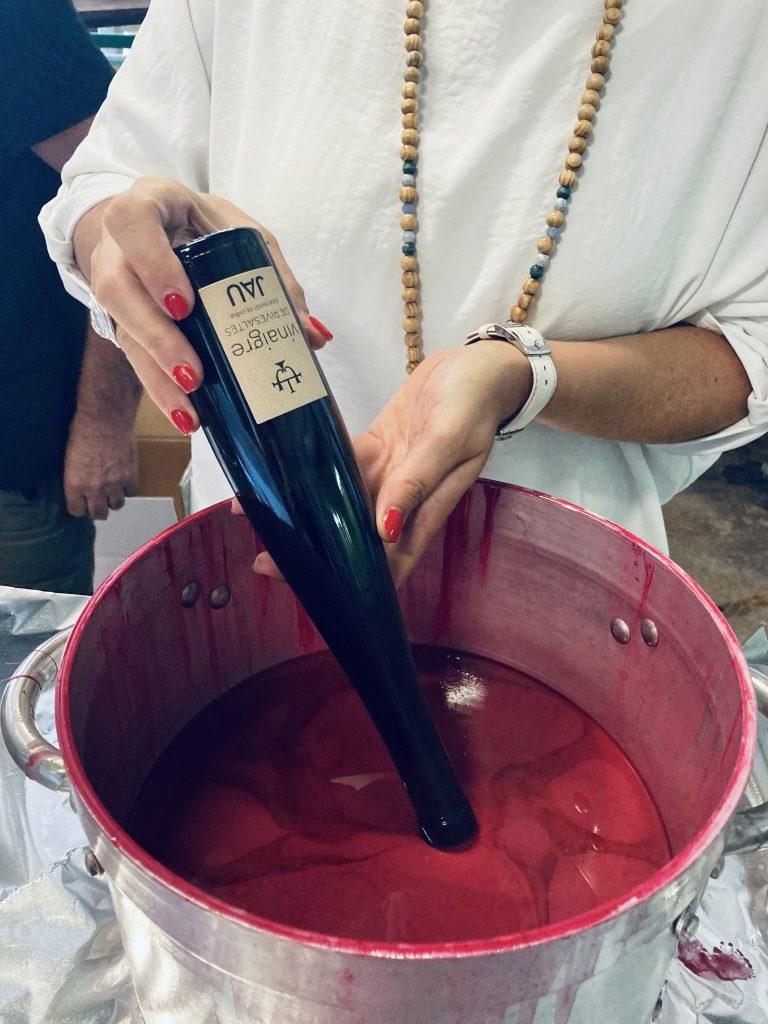 Cirage du vinaigre de Rivesaltes chez Jau